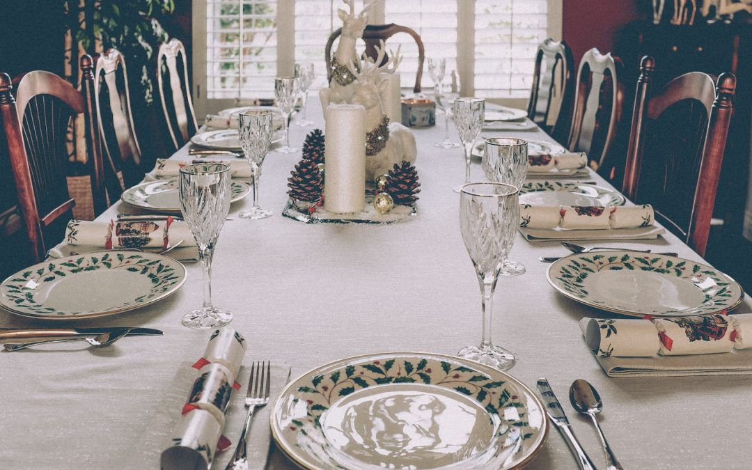 Your Guide to Setting the Perfect Holiday Table!